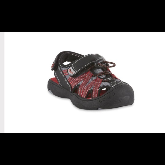 Roebuck & co Other - Roebuck & co boy's YB Stevie blk/red sport sandal
